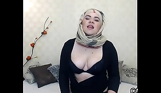 Voluptuous Arab Old bag With Her Hijab
